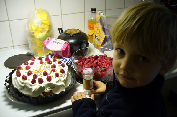 Kako navići dete da jede zdravo