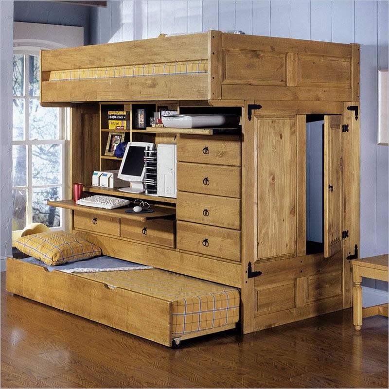 Kreveti na sprat i radni sto ispod