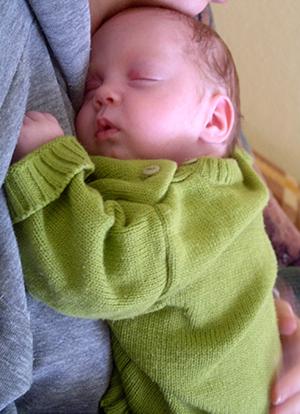 Kako da beba podrigne ?