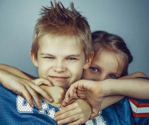 Kako reagovati kada se vaša deca svađaju?