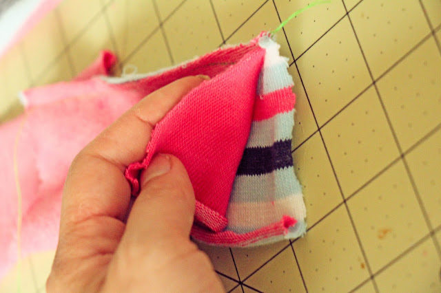 Zmija od dečijih čarapa