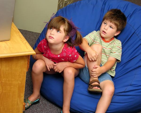 Gledanje televizije – koliko da dozvolimo?
