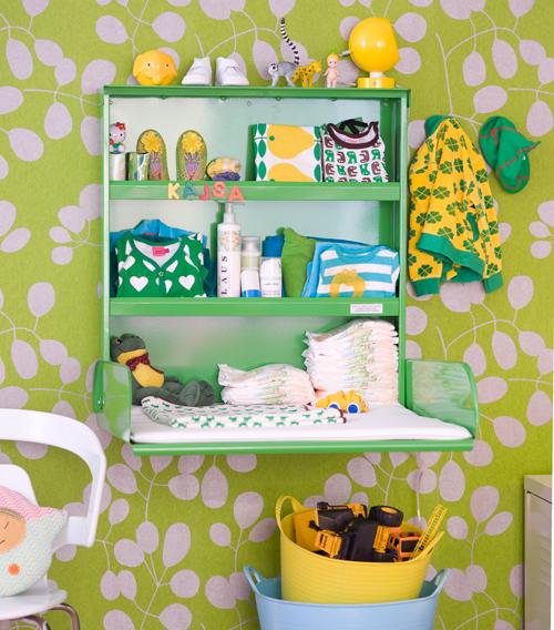 Zidni sto za previjanje bebe - zeleni