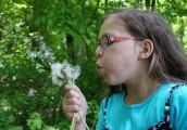 7 znakova da vašem detetu trebaju naočare